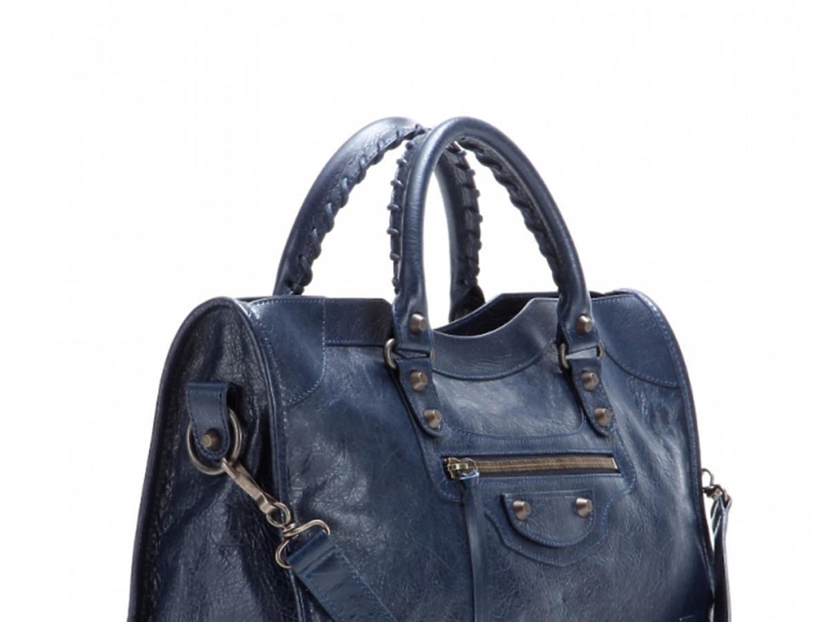 niebieska skórzana torba marki Balenciaga
