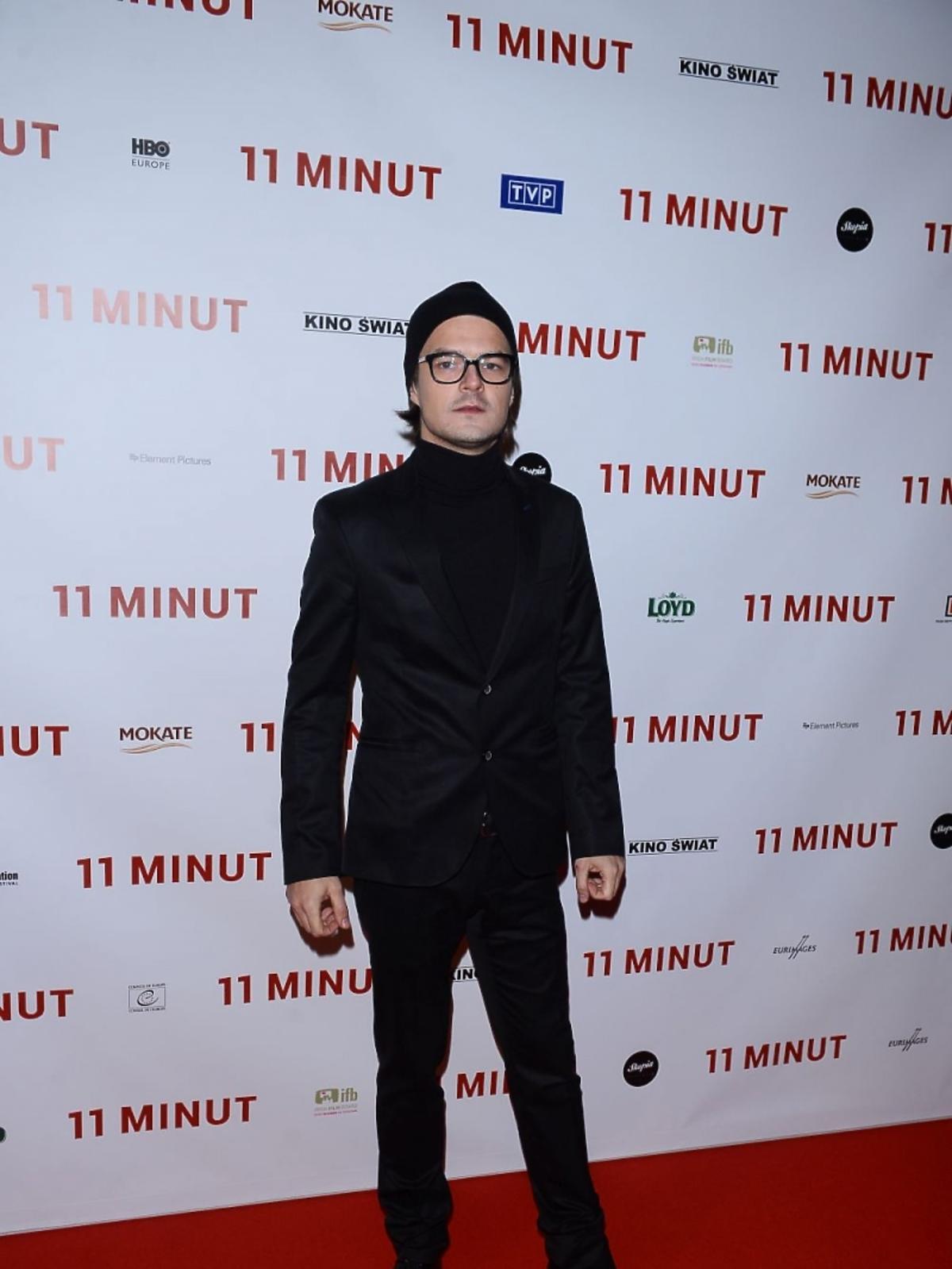 Dawid Ogrodnik na premierze filmu