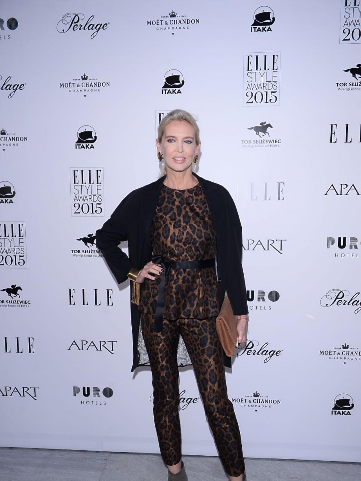Bogna Sworowska w kombinezonie w cętki na imprezie magazynu Elle