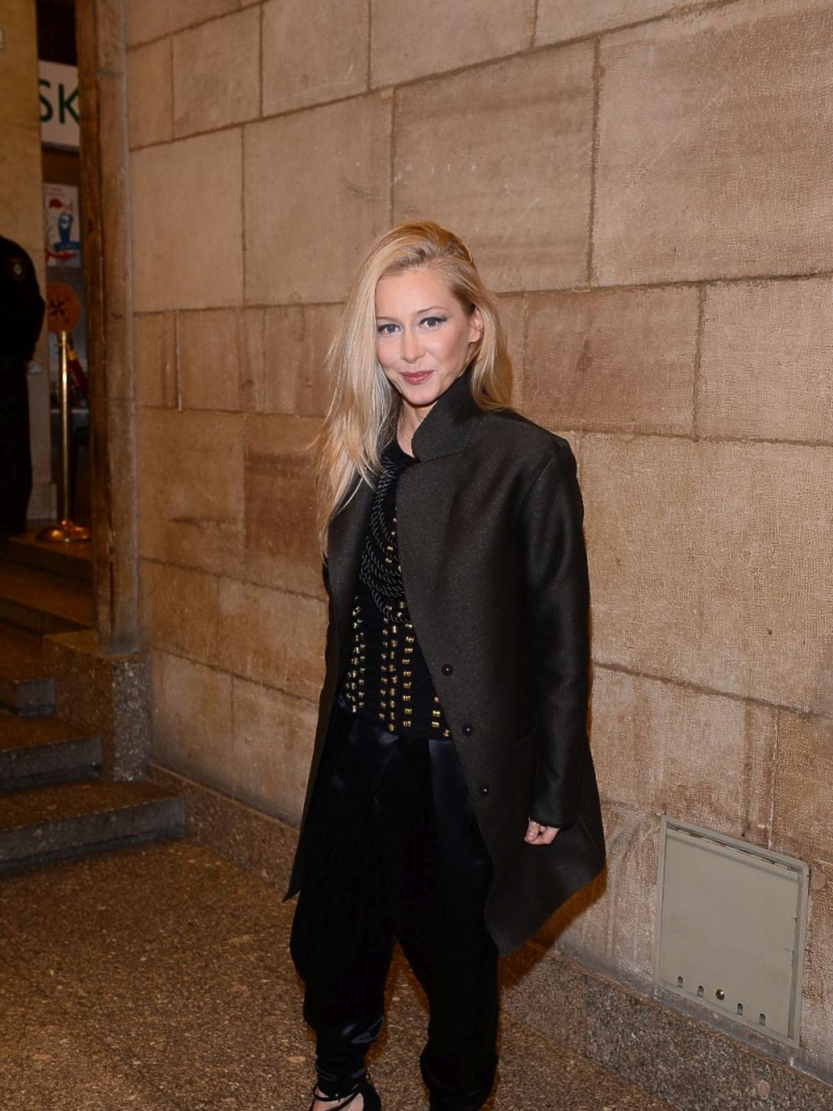 Katarzyna Warnke w czarnej kreacji na imprezie magazynu Elle