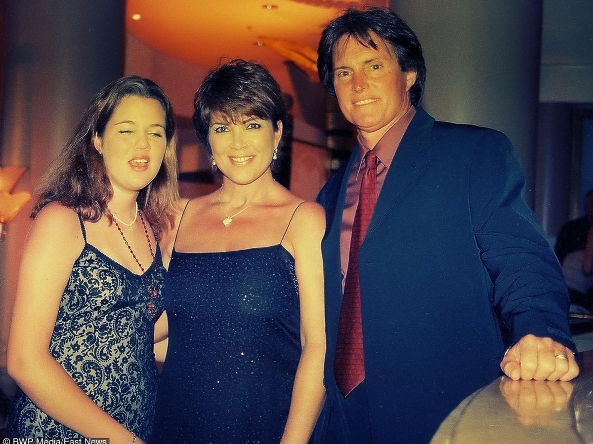 Bruce Jenner z żoną i pasierbicą, portret rodzinny
