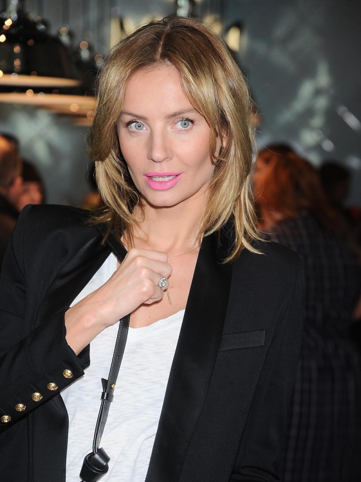 Agnieszka Szulim pokazuje pierścionek zaręczynowy