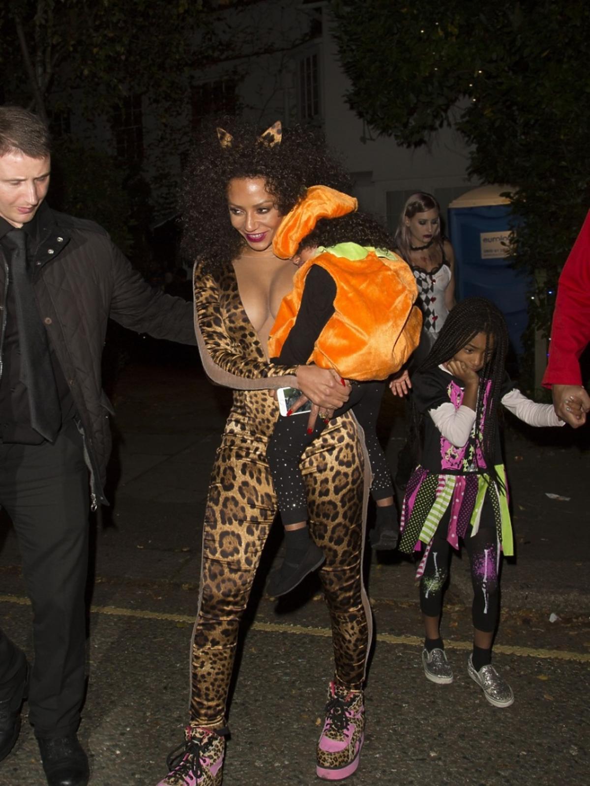 Mel B z rodziną podczas Halloween