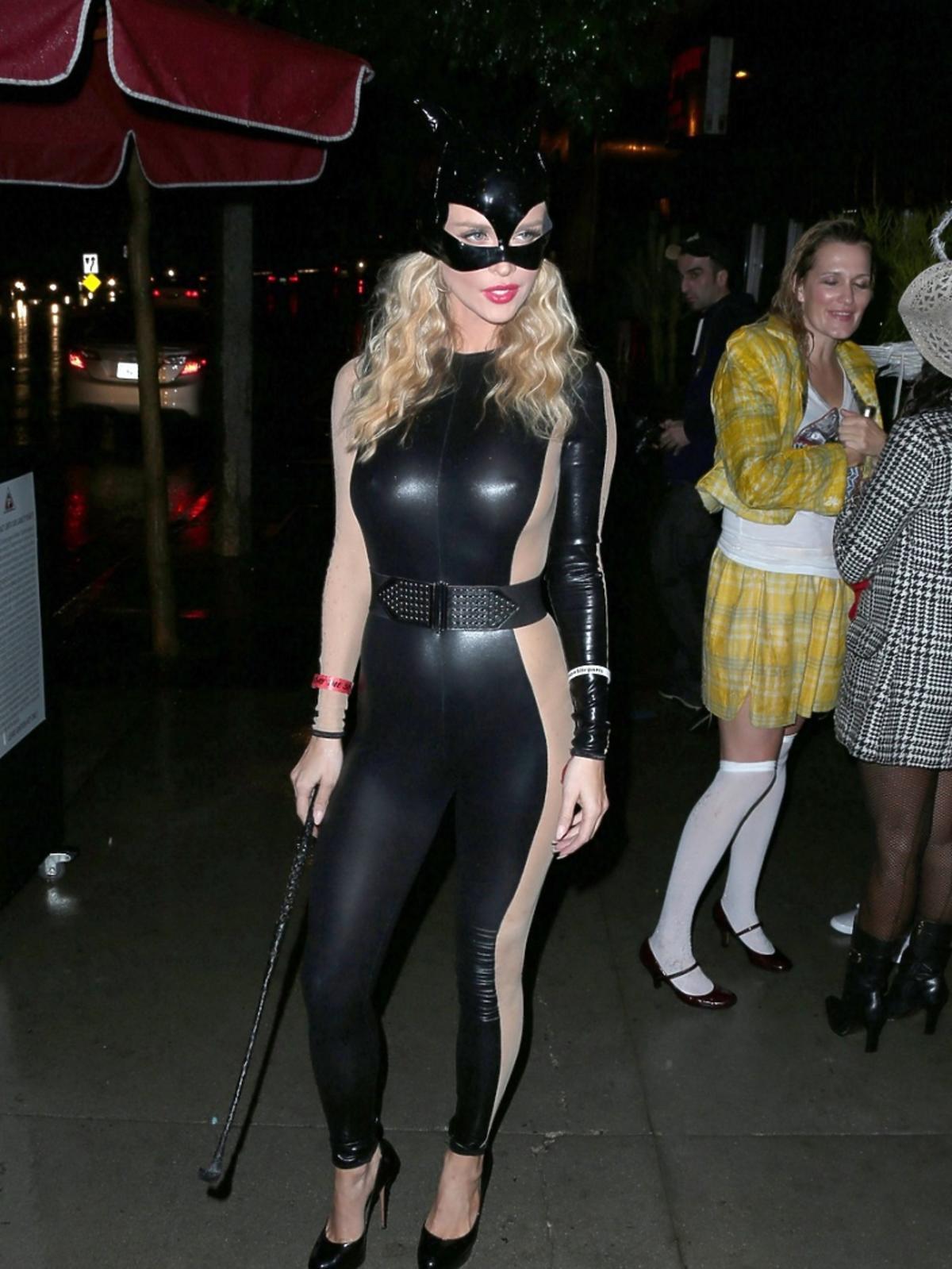Joanna Krupa w drodze na Halloween Party