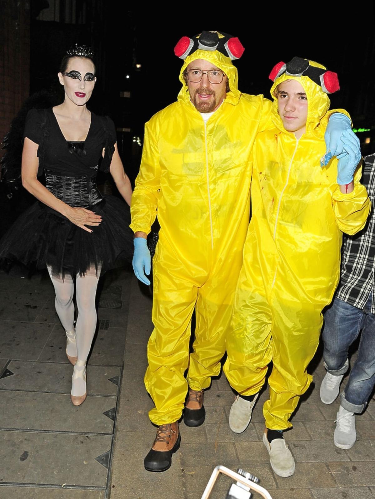 Guy Ritchie z synem i przyjaciółą przed halloweenowym balem
