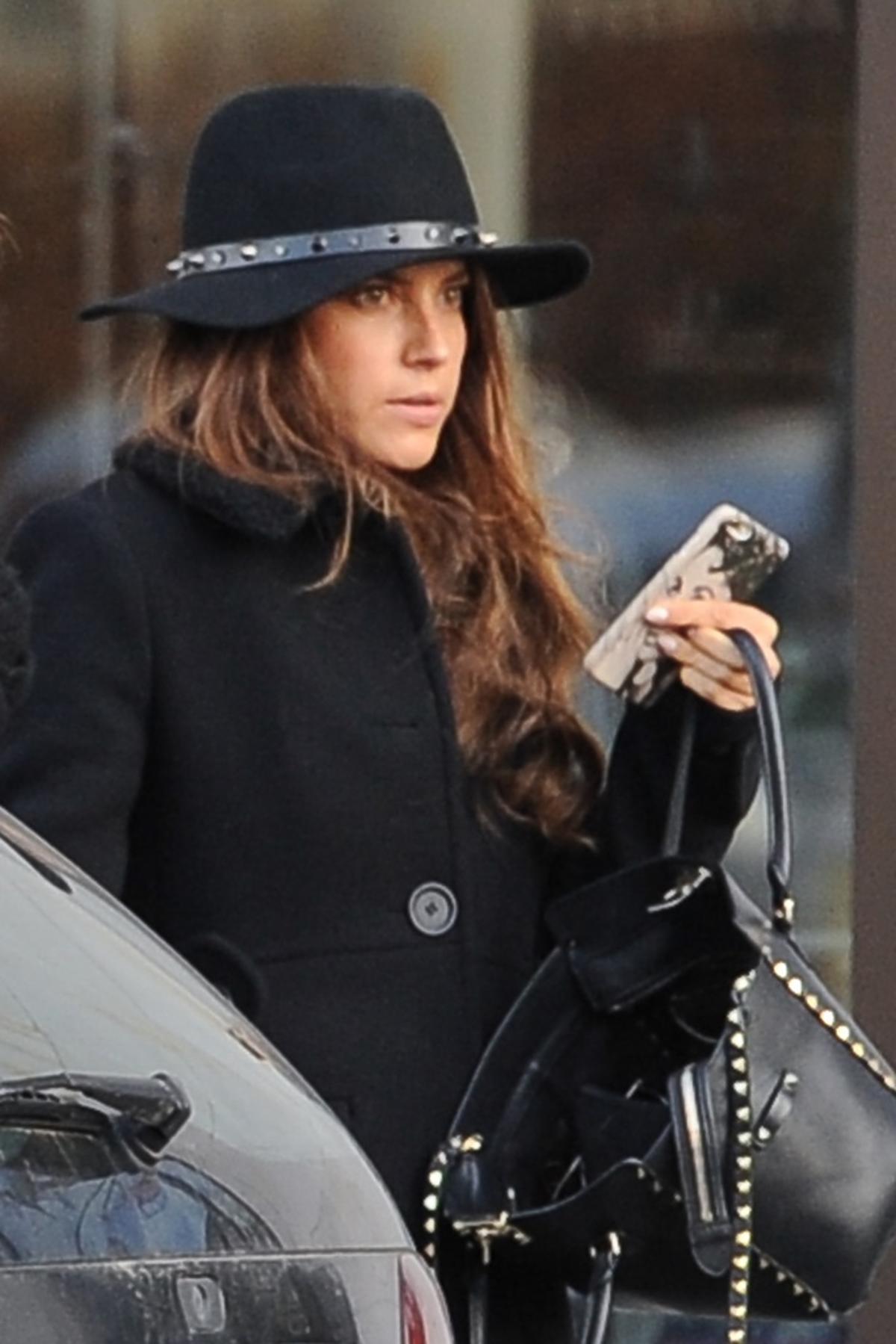 Weronika Rosati w kapeluszu