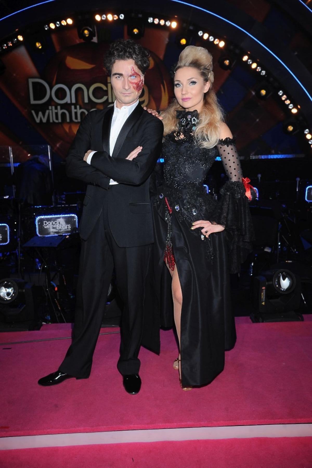Jan Kliment w masce i Cleo z postawionymi włosami w Tańcu z Gwiazdami