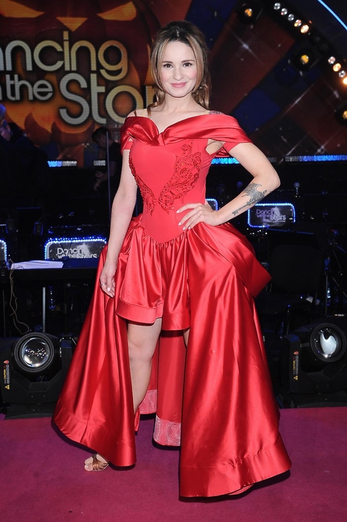 Ewelina Lisowska w czerwonej sukni