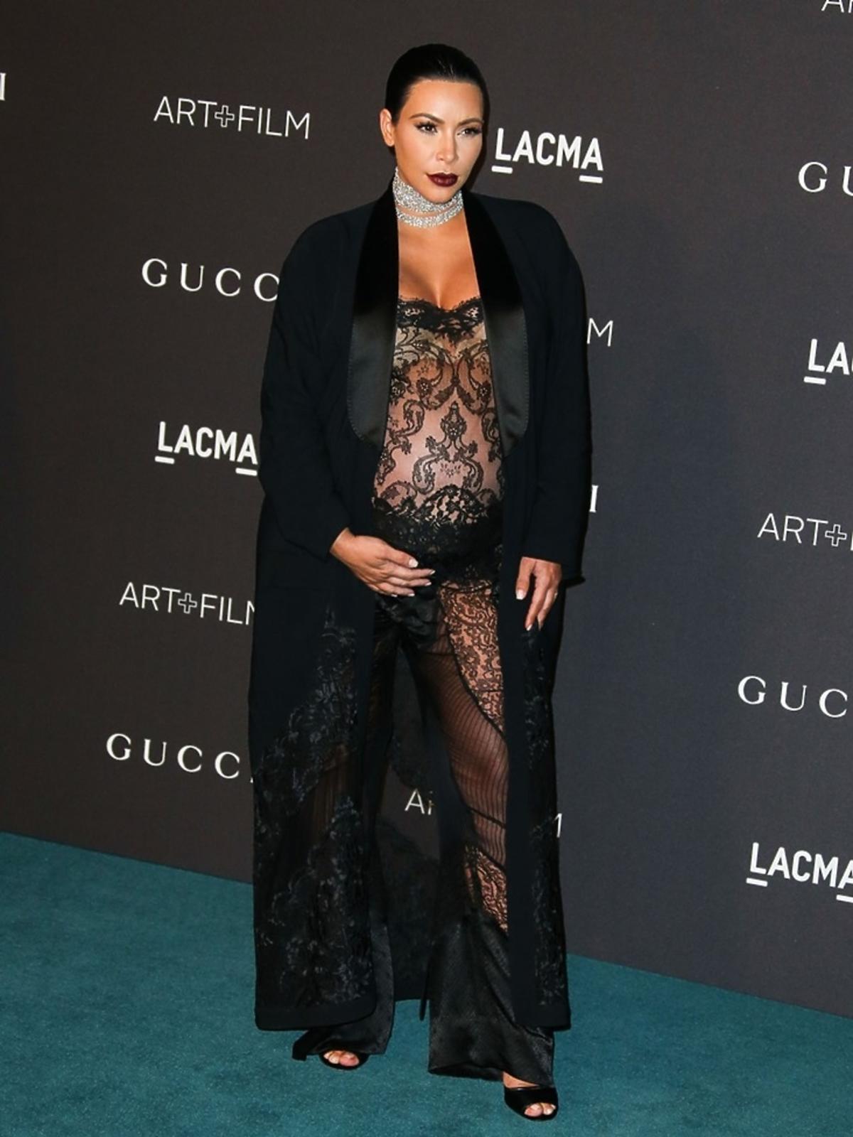 Kim Kardashian w koronkowej kreacji