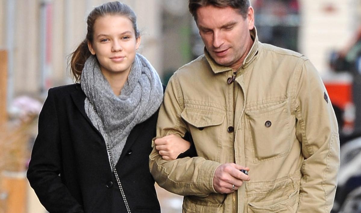 Iga i Tomasz Lisowie na spacerze