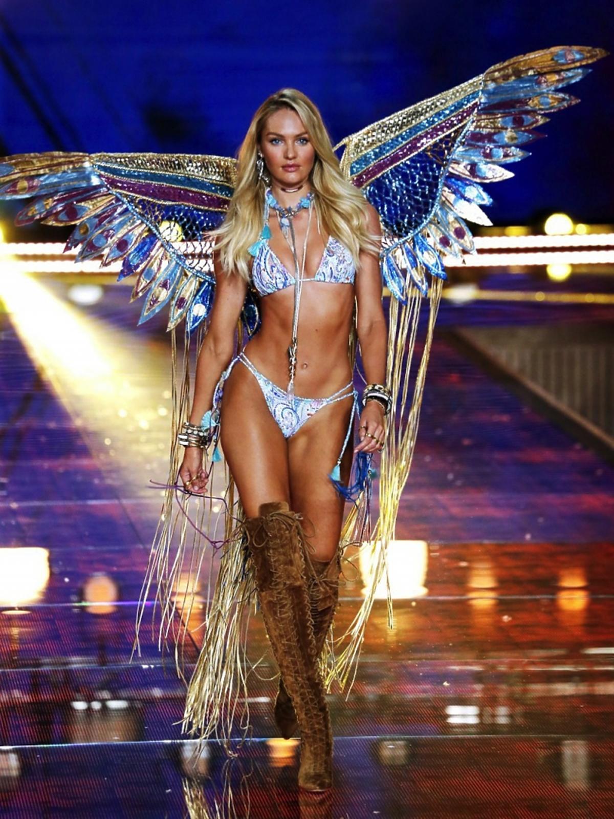 Candice Swanepoel na pokazie Victoria's Secret 2015