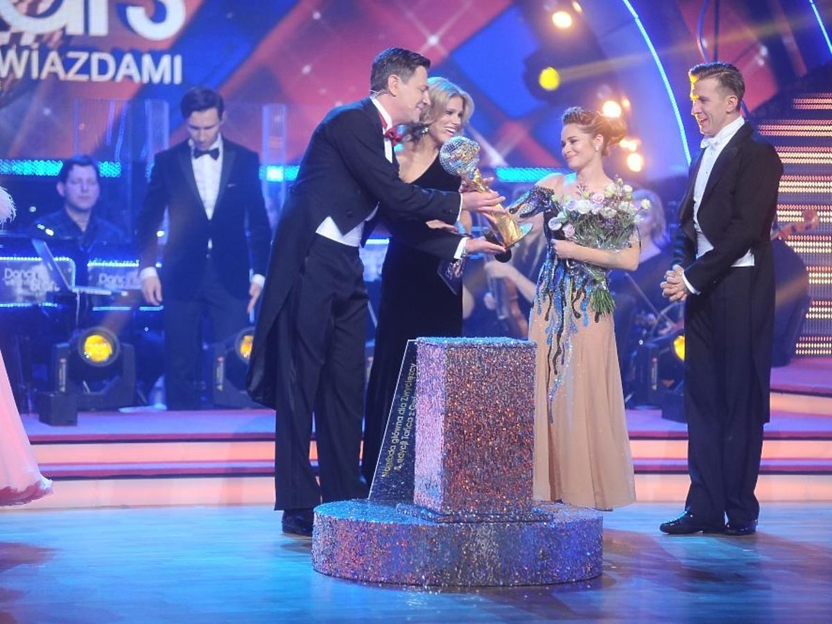 Ewelina Lisowska i Tomasz Barański wygrali Taniec z Gwiazdami
