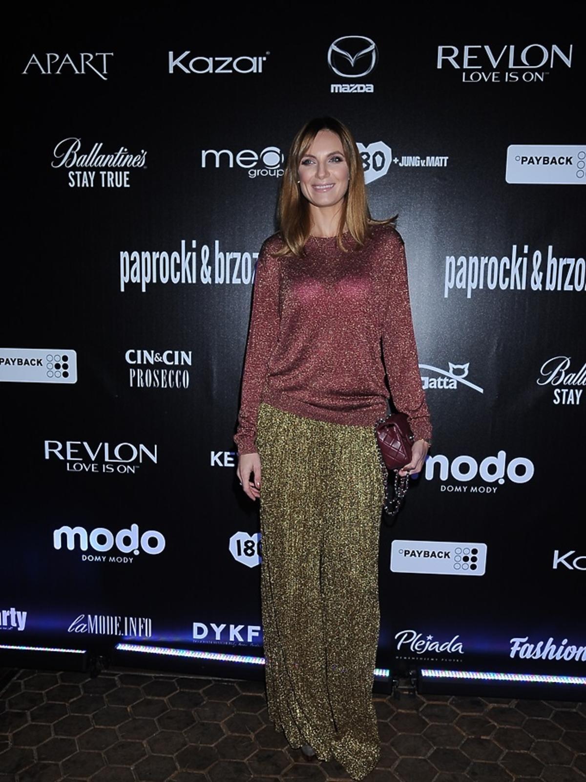 Sylwia Gliwa w bordowej bluzce