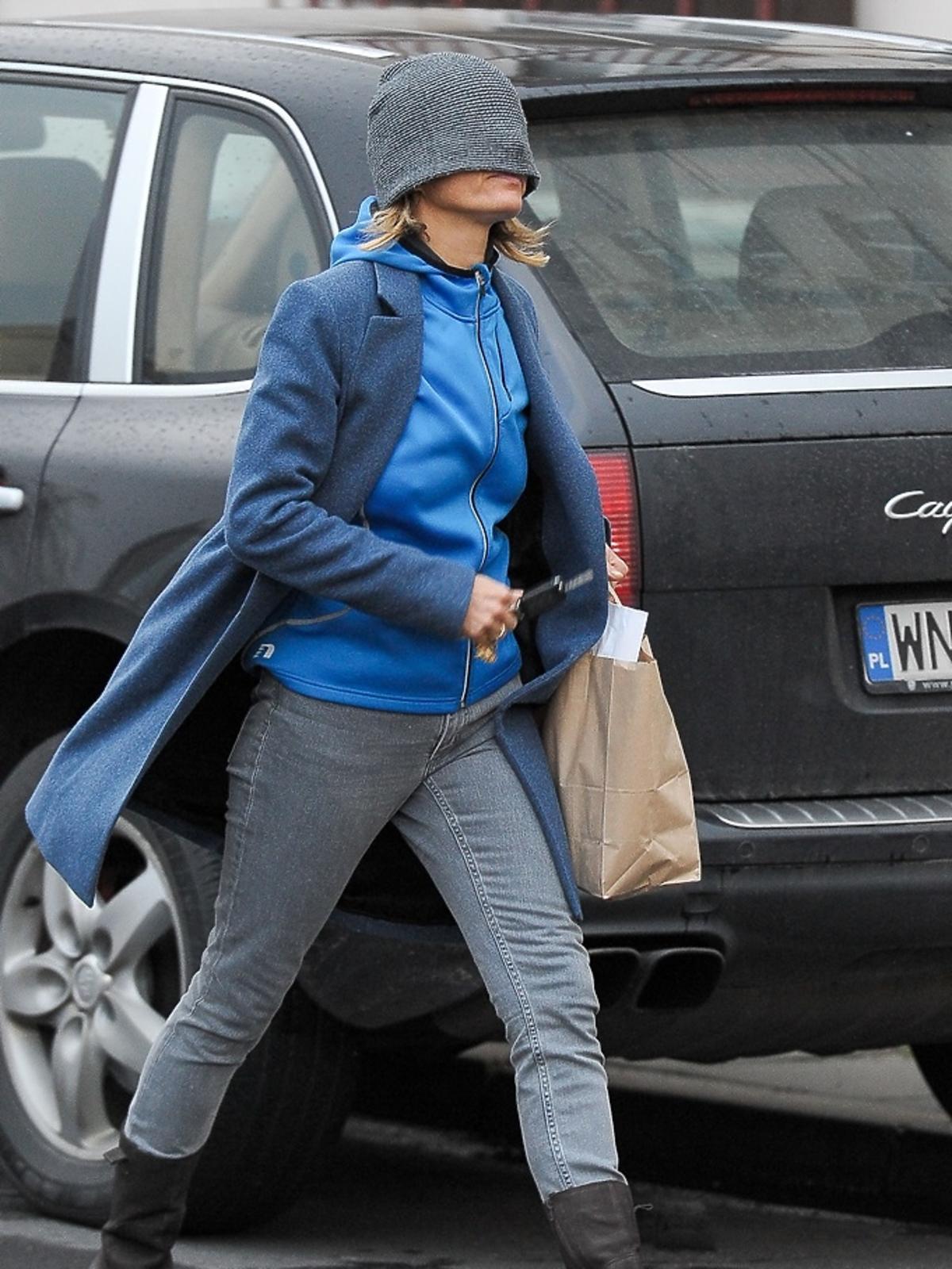 Małgorzata Foremniak w niebieskiej bluzie