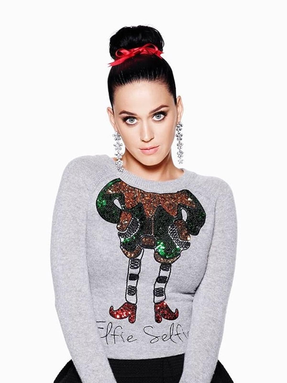 Katy Perry w świątecznym swetrze