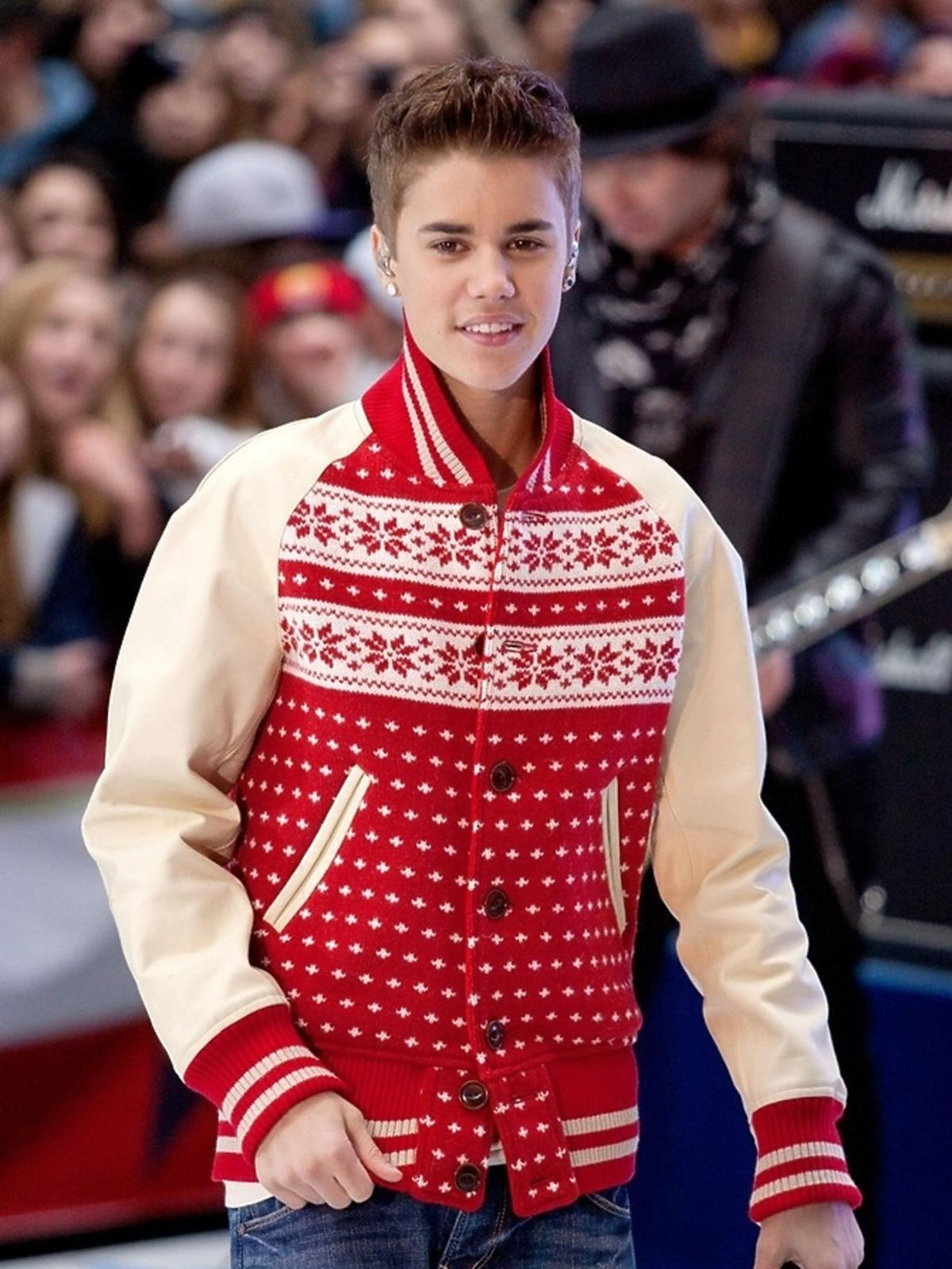 Justin Bieber w świątecznym swetrze