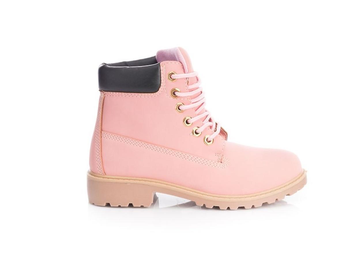 różowe buty trapery
