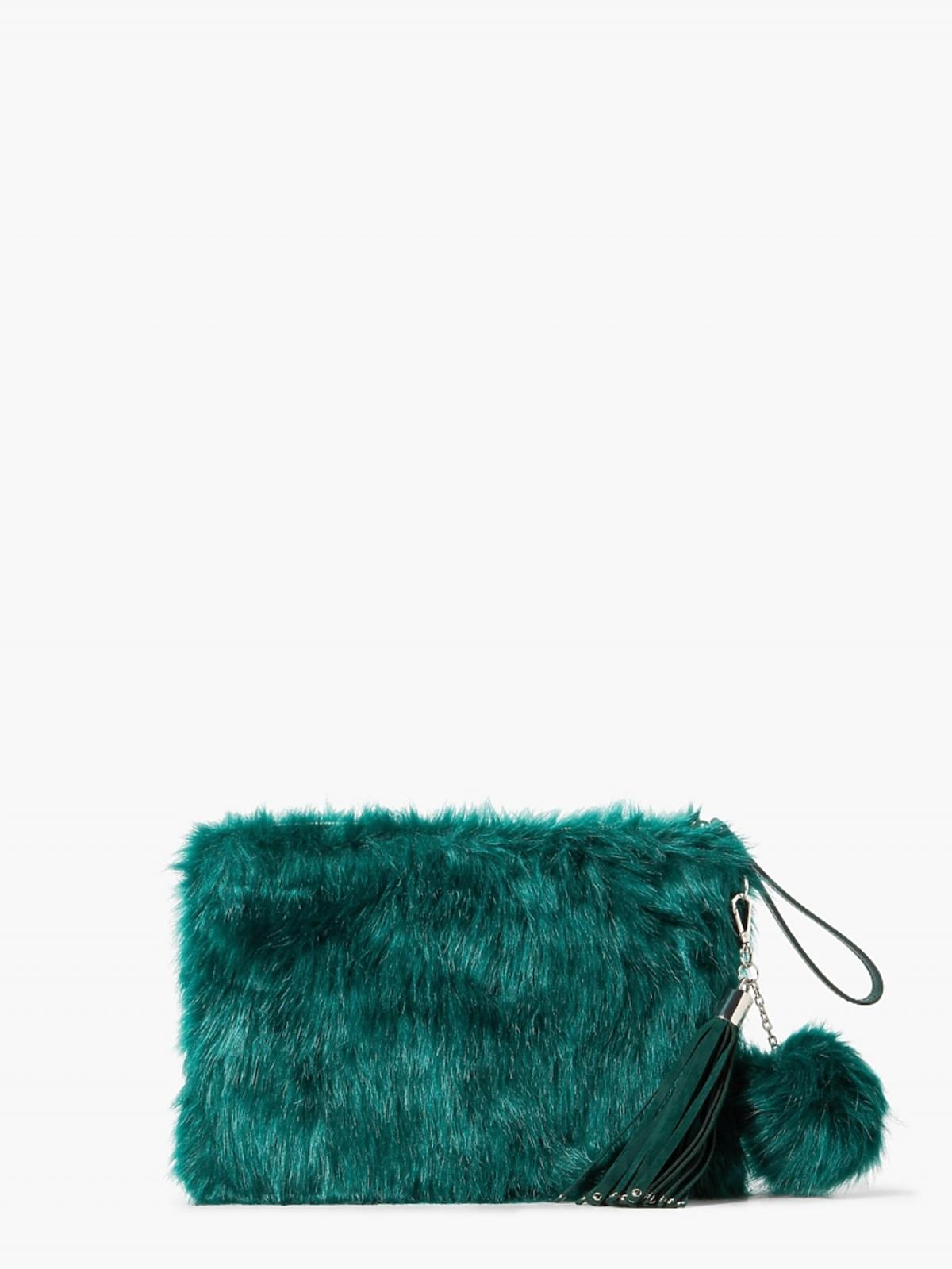 zielona futrzana torebka