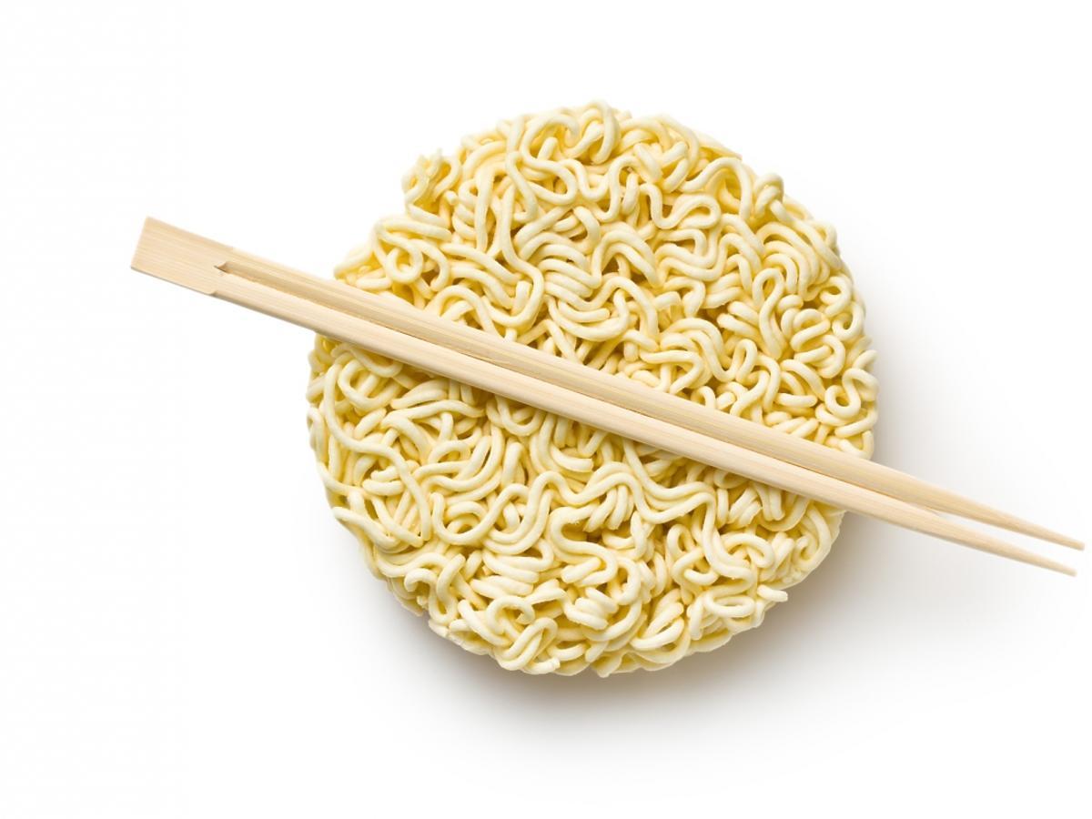 zupka chińska i pałeczki