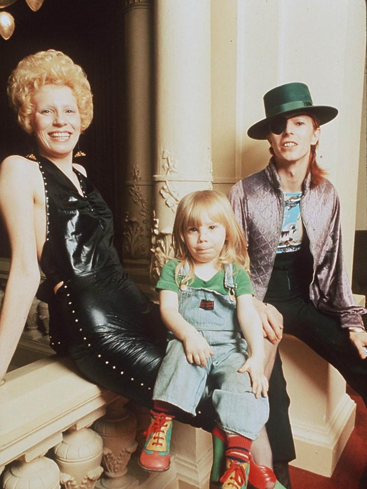 David Bowie z żoną Angie i synem Duncanem Jones
