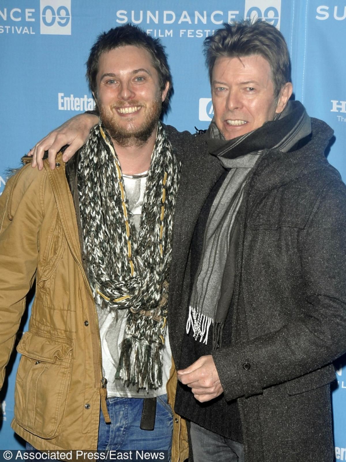 Reżyser Duncan Jones z tatą