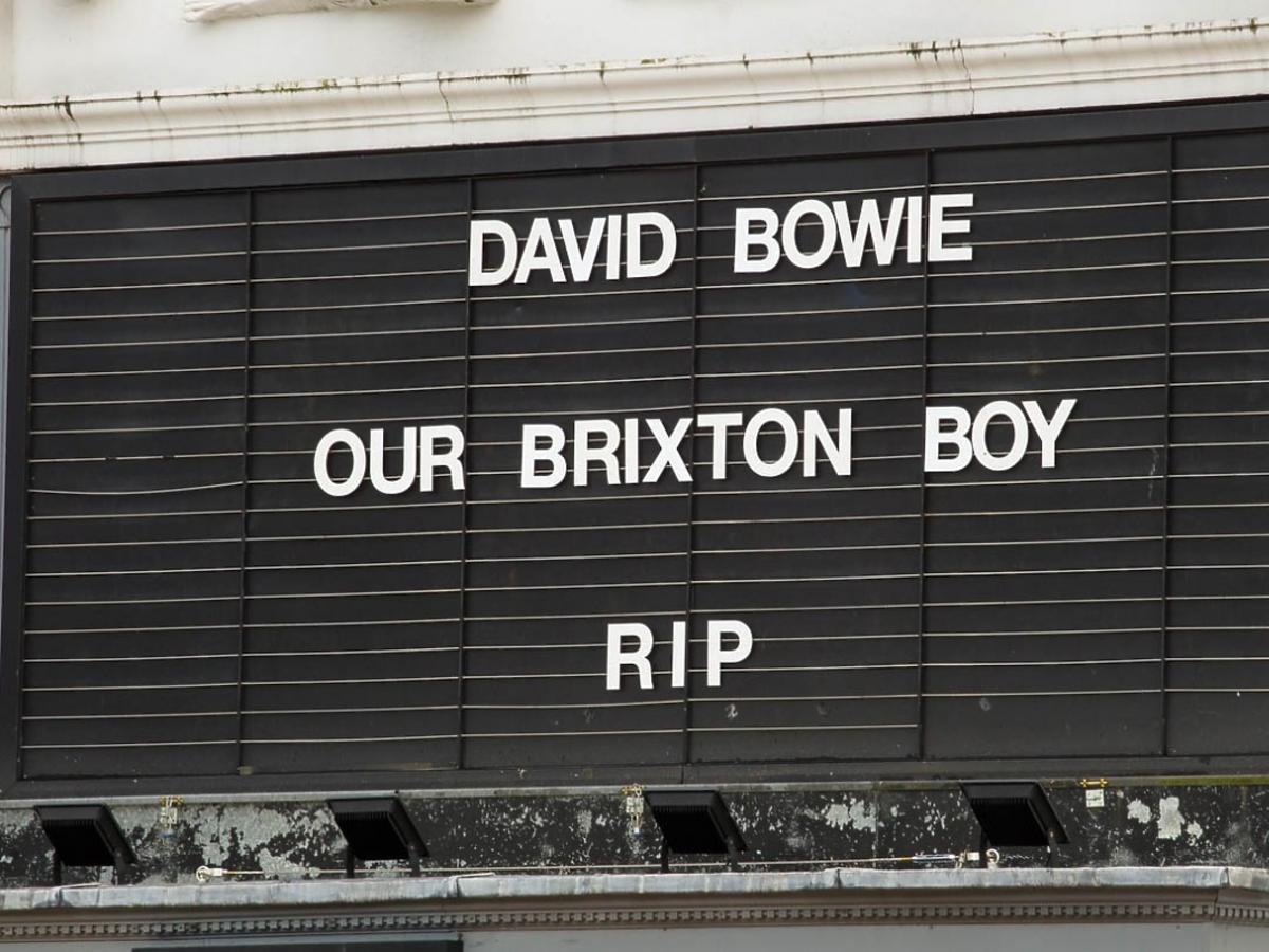 Hołd ku czci Davida Bowie