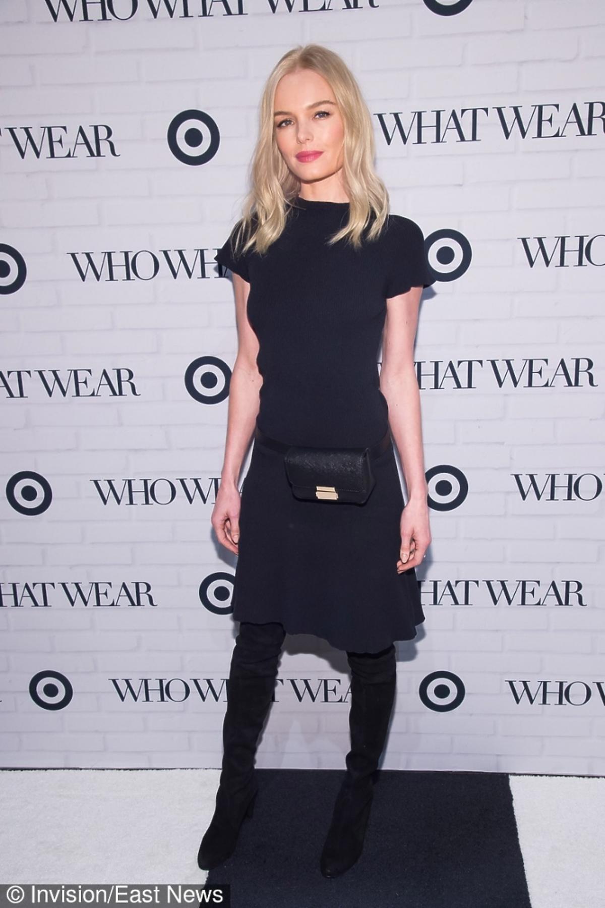 Kate Bosworth wczarnej suknie z czarną torebką na pasku