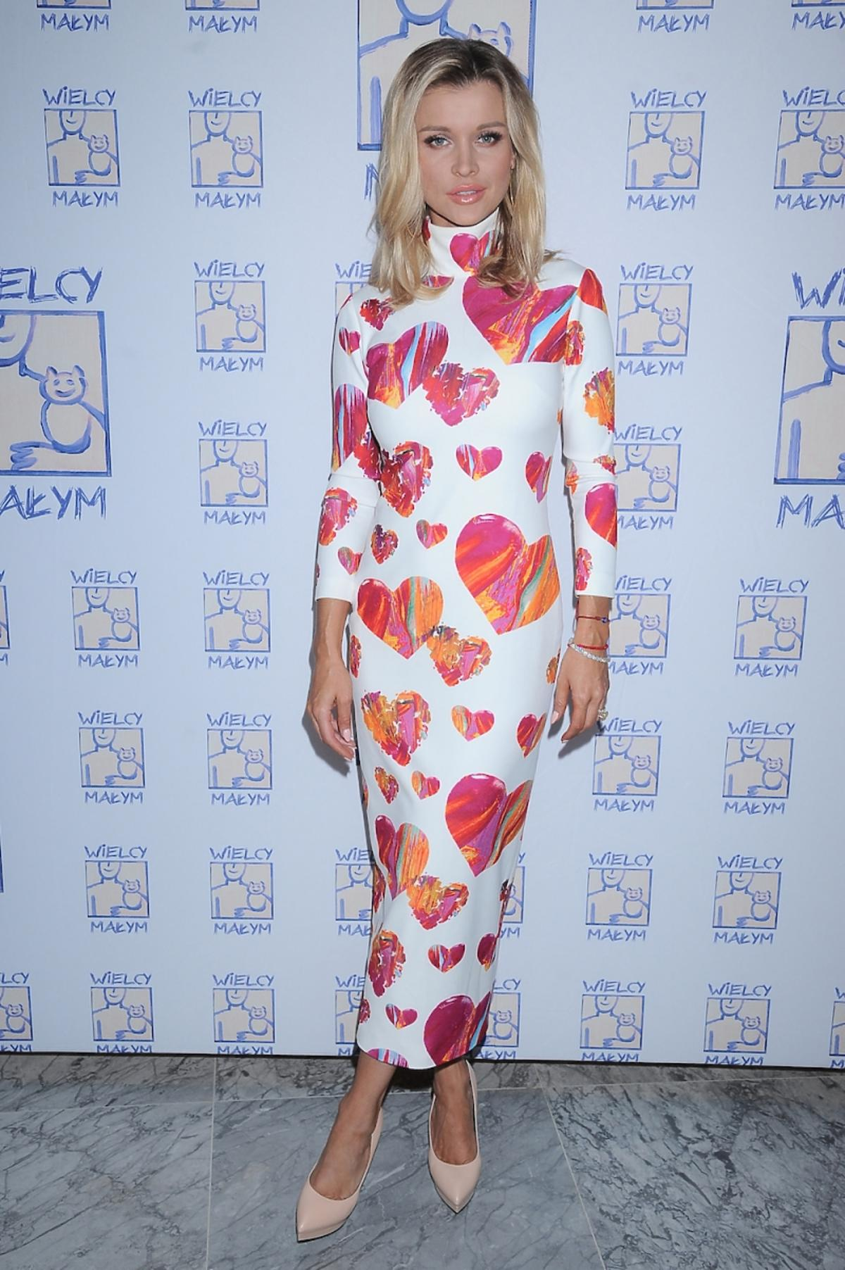 Joanna Krupa w sukience w serca