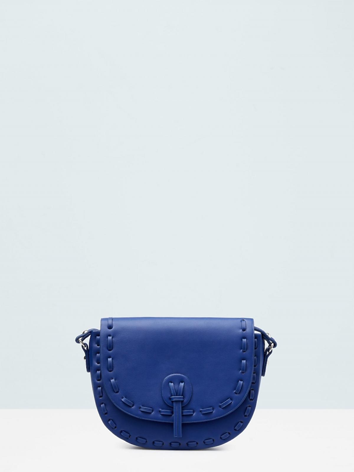 niebieska torba na pasku