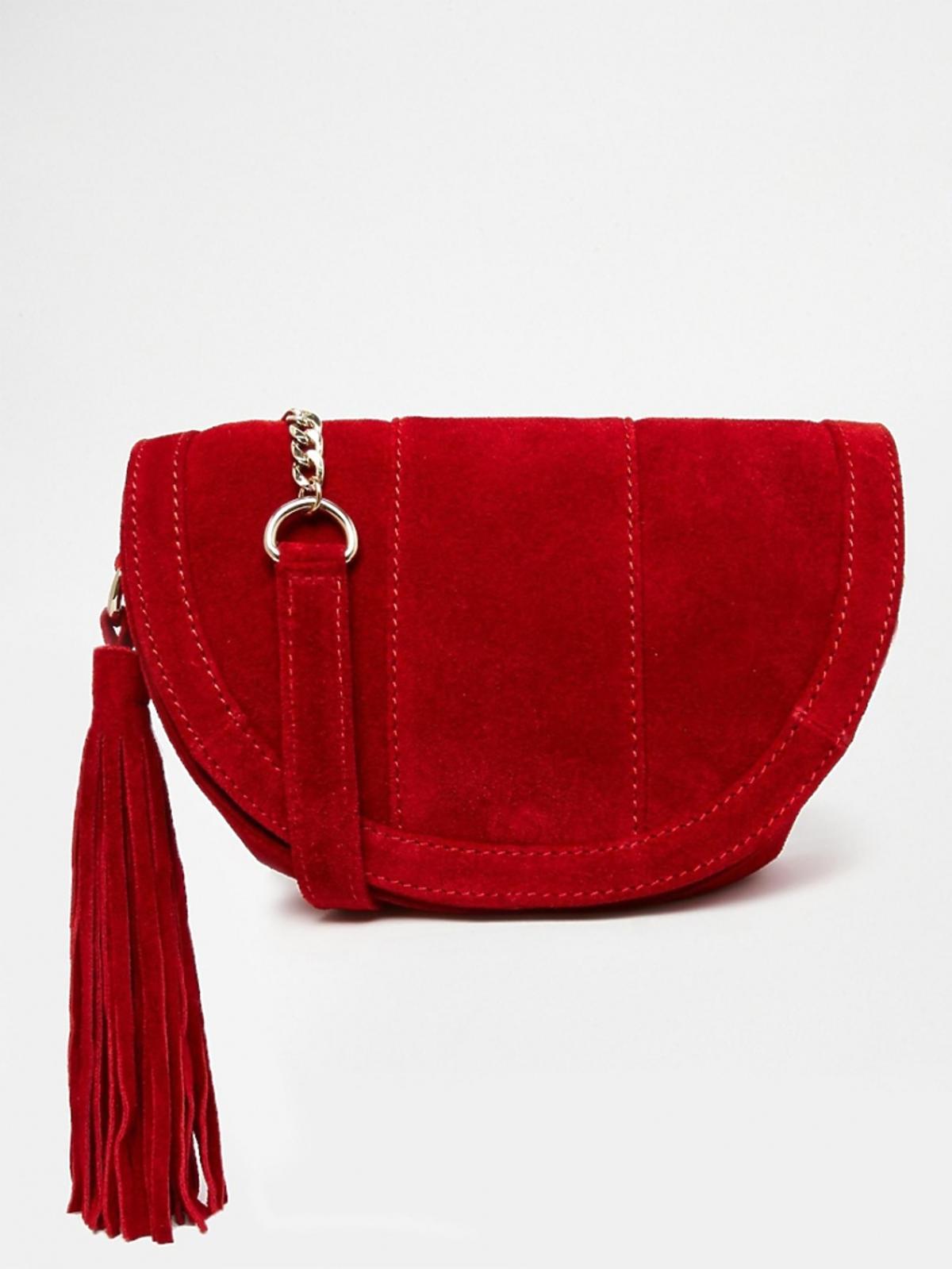czerwona torba o kształcie półksieżyca