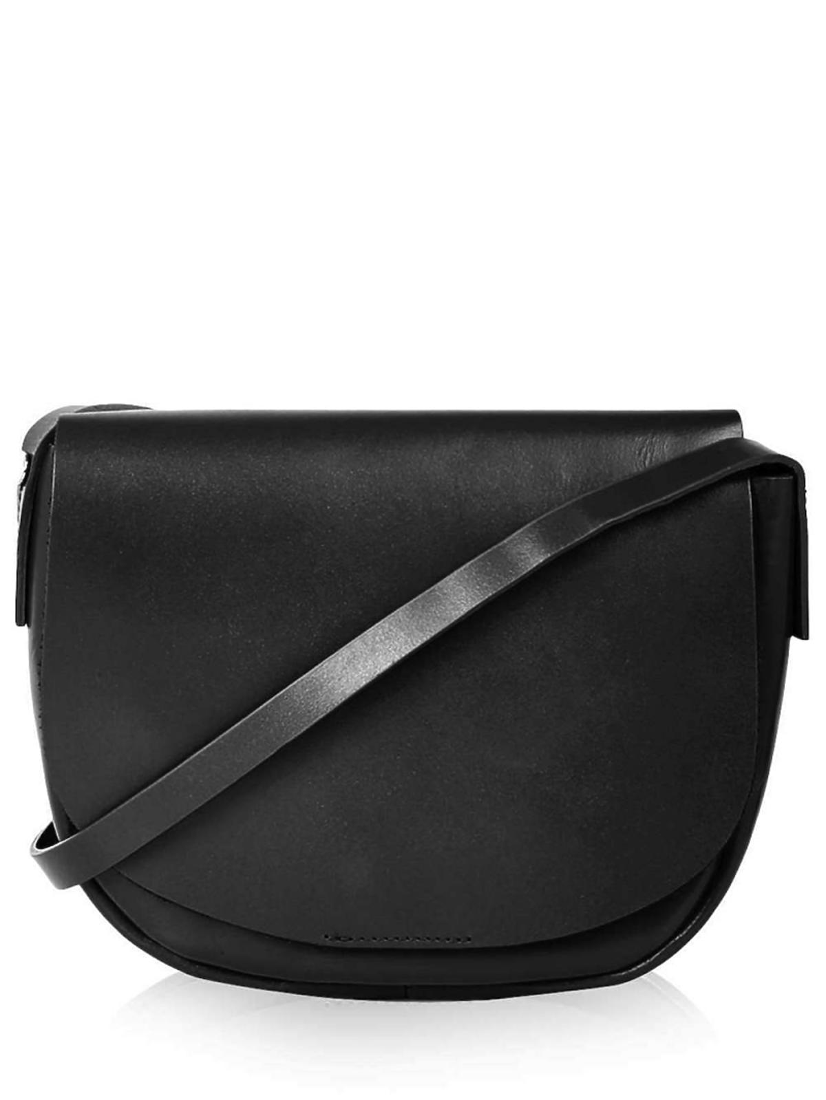 czarna torba na pasku