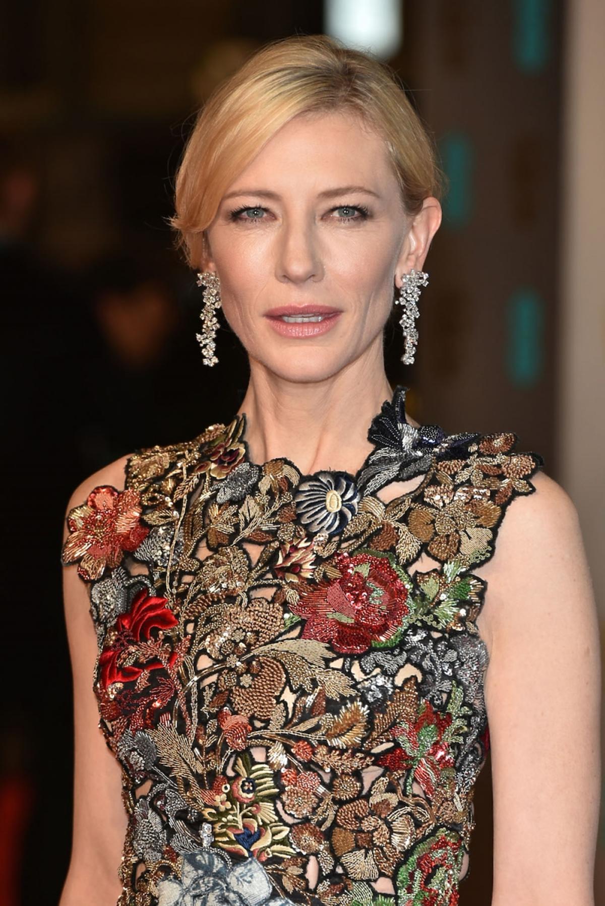 Cate Blanchett w sukni bogato zdobionej na górze