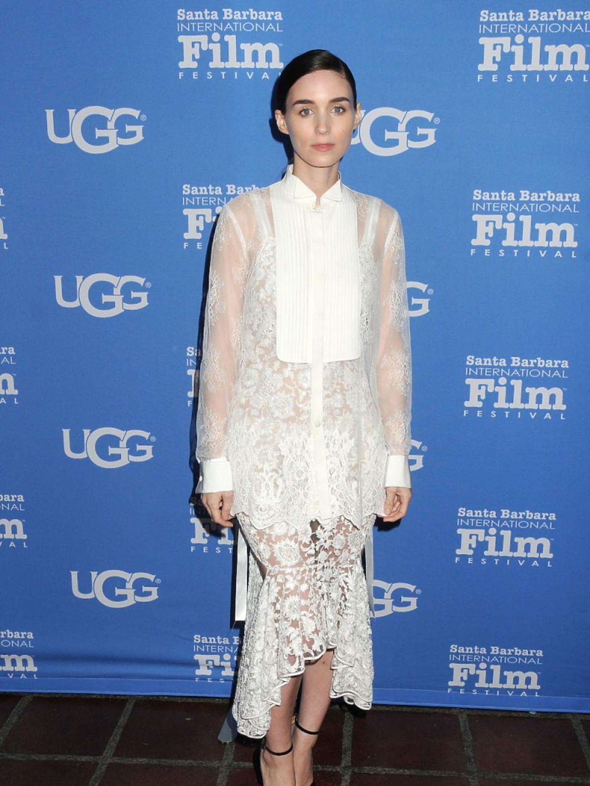 Rooney Mara w białęj koronkowej sukni
