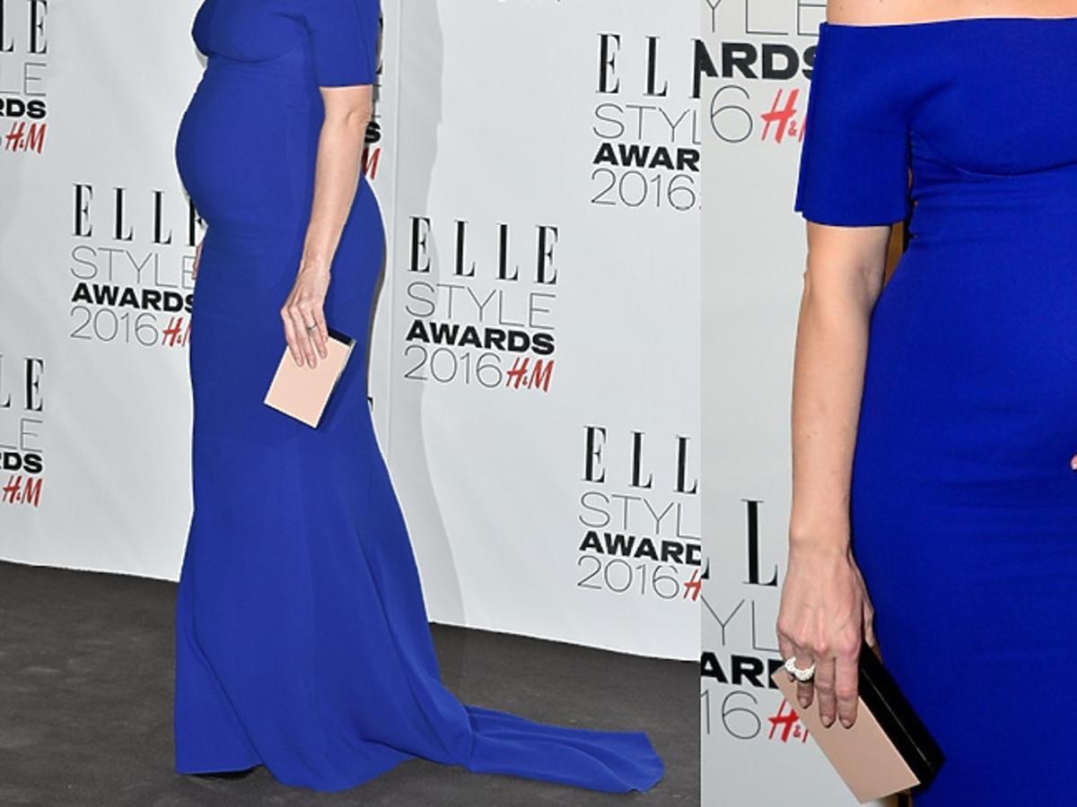 Liv Tyler w ciąży w długiej kobaltowej sukni do ziemi na czerwonym dywanie