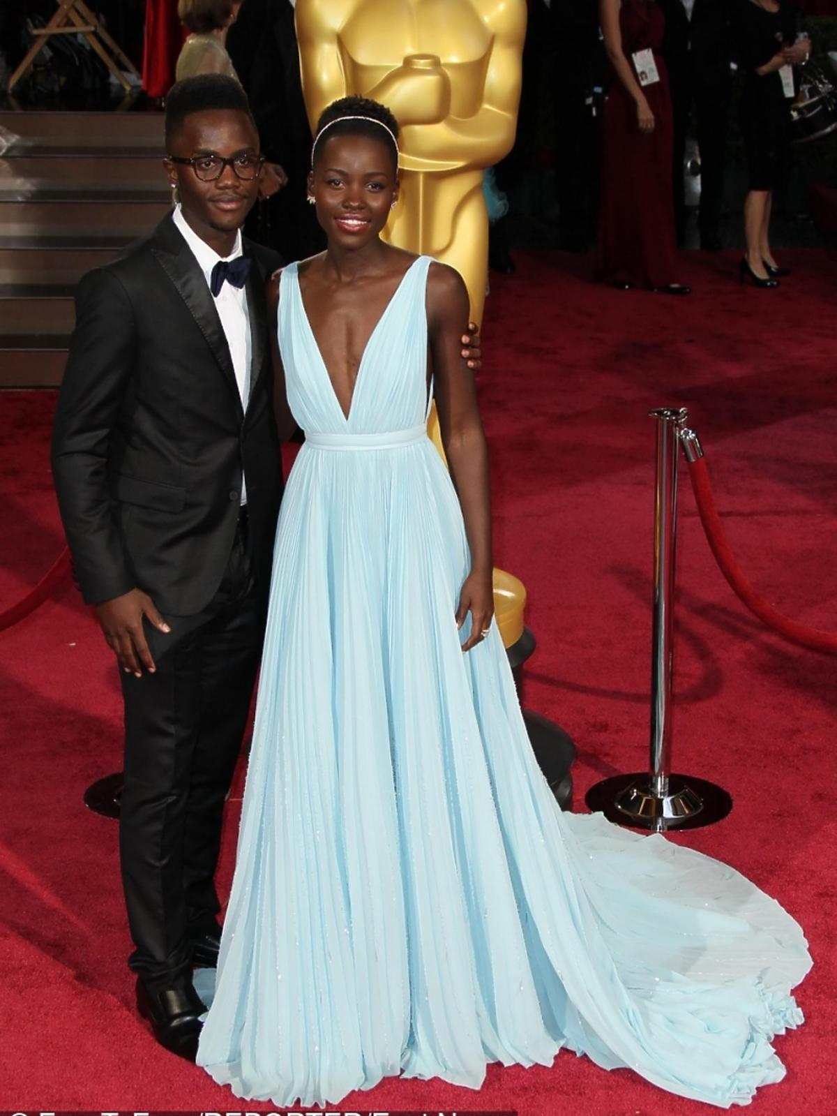 Lupita Nyong'o w błękitnej sukni do ziemi