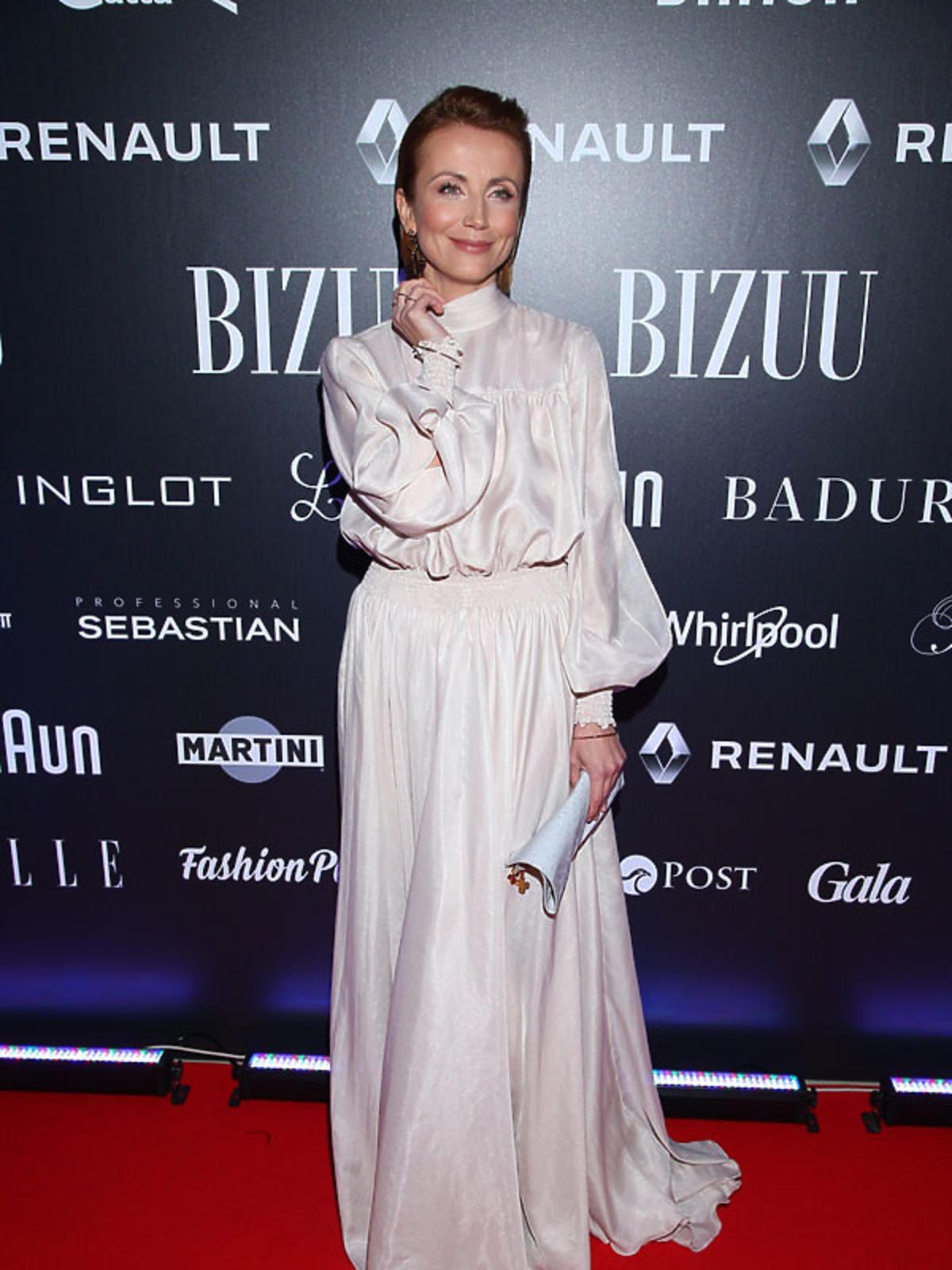 Katarzyna Zielińska w długiej sukni na pokazie Bizuu