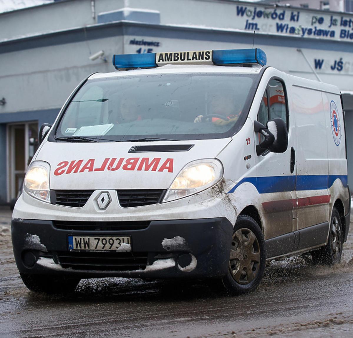 1,5-roczna dziewczyna, która wypadła z okna, ma koronawirusa