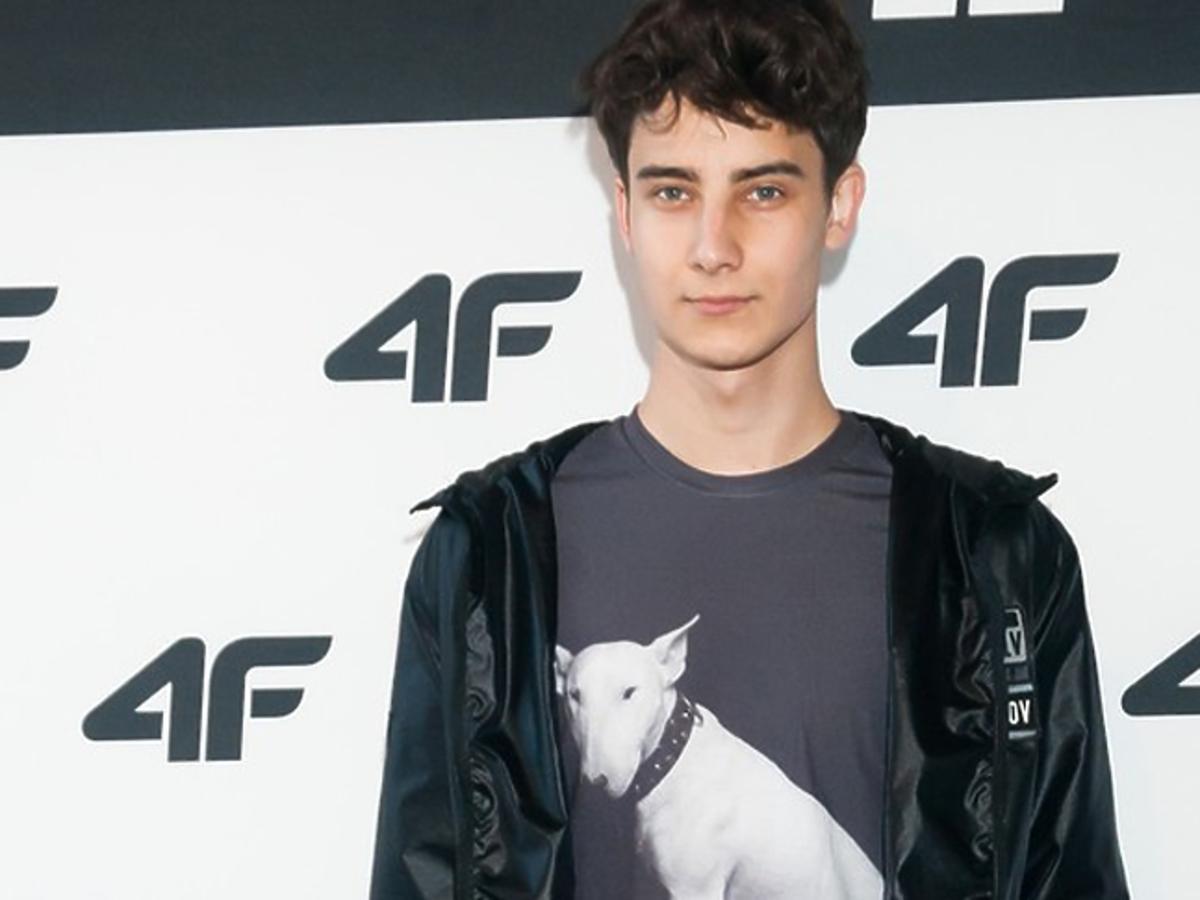 Adam Boguta w koszulce