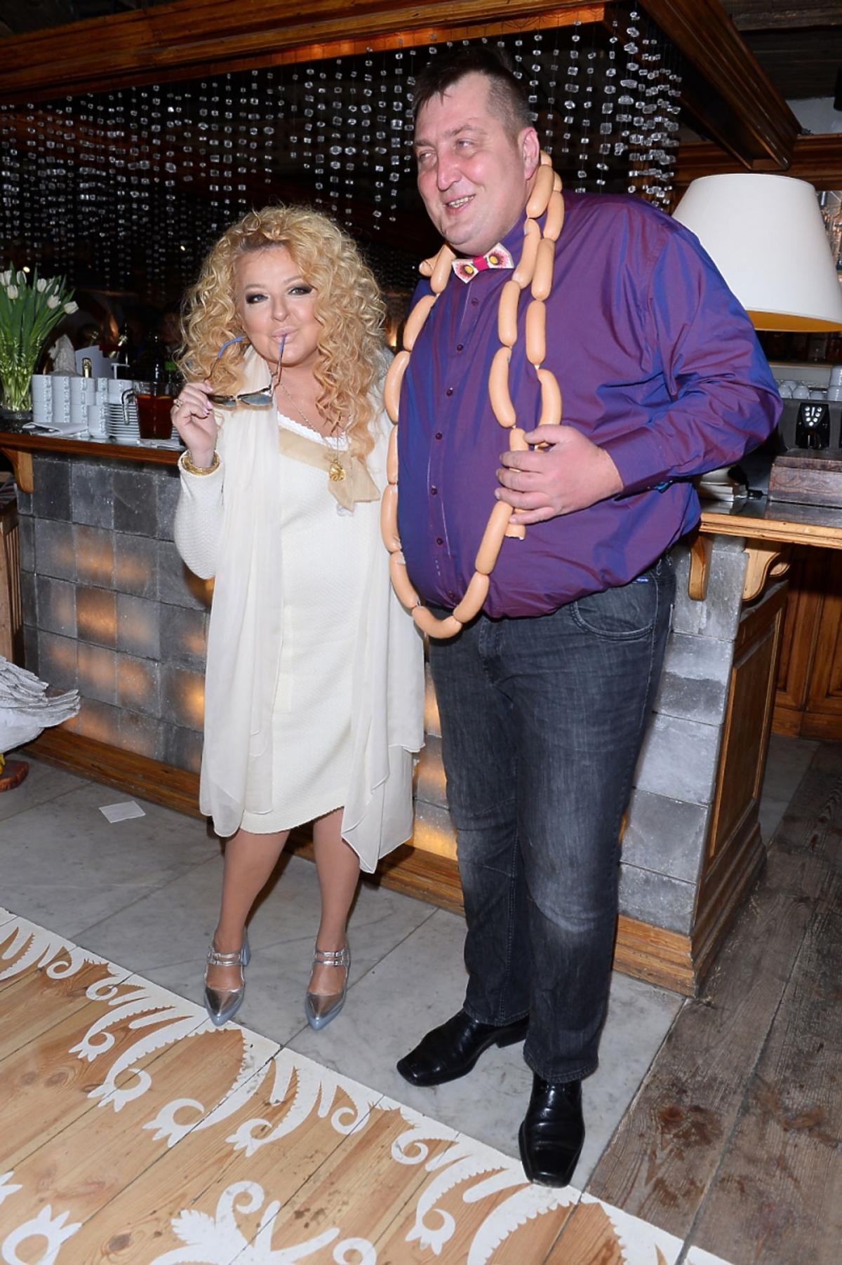 Adam Kraśko w fioletowej koszuli