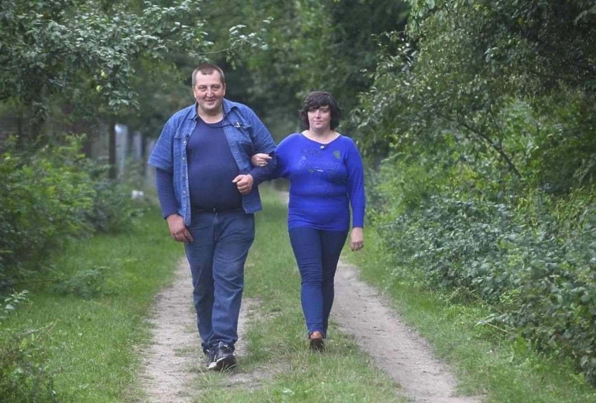 Adam Kraśko z Rolnik szuka żony i Ania w niebieskim swetrze