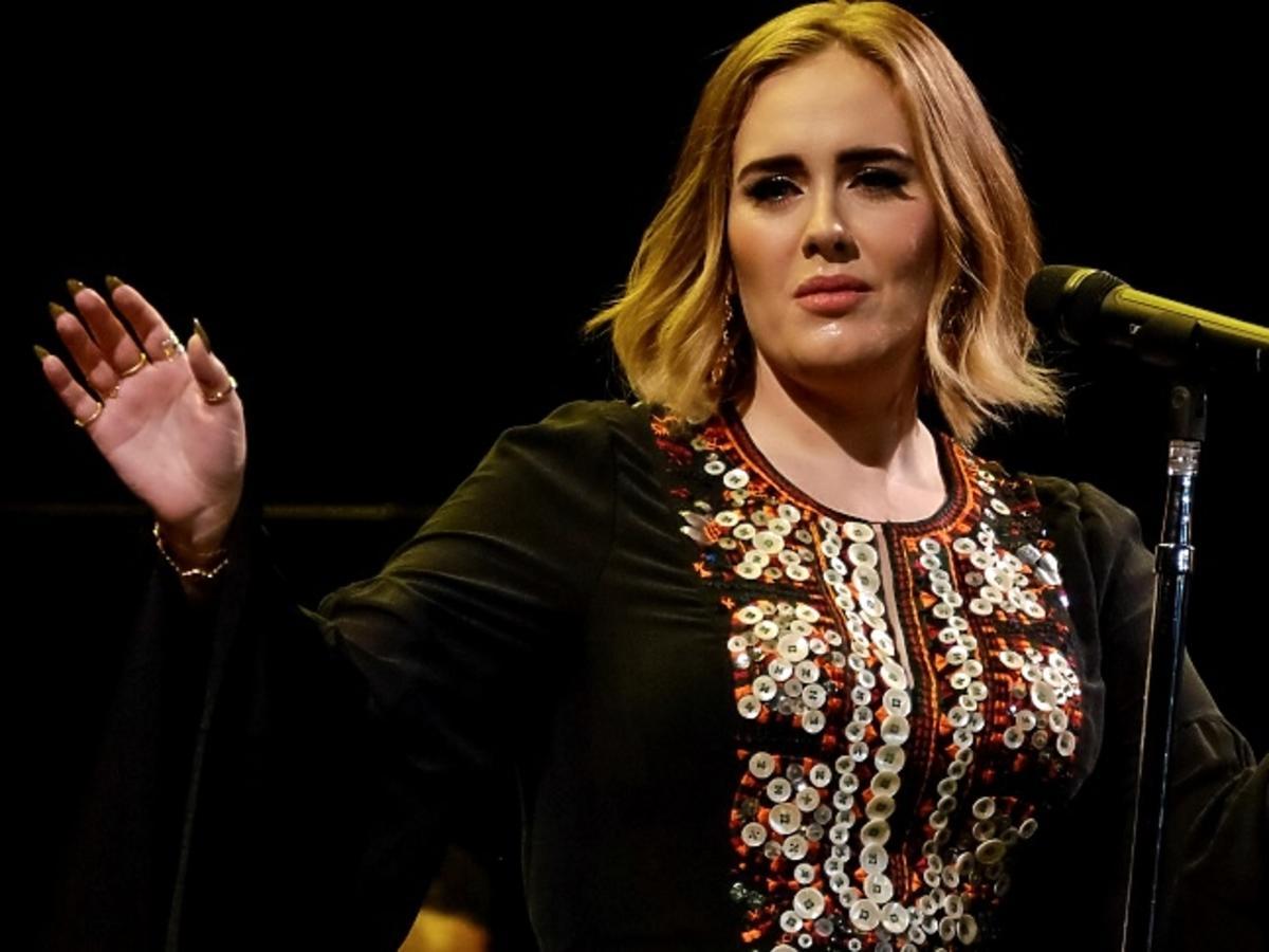 Adele w krótkich włosach