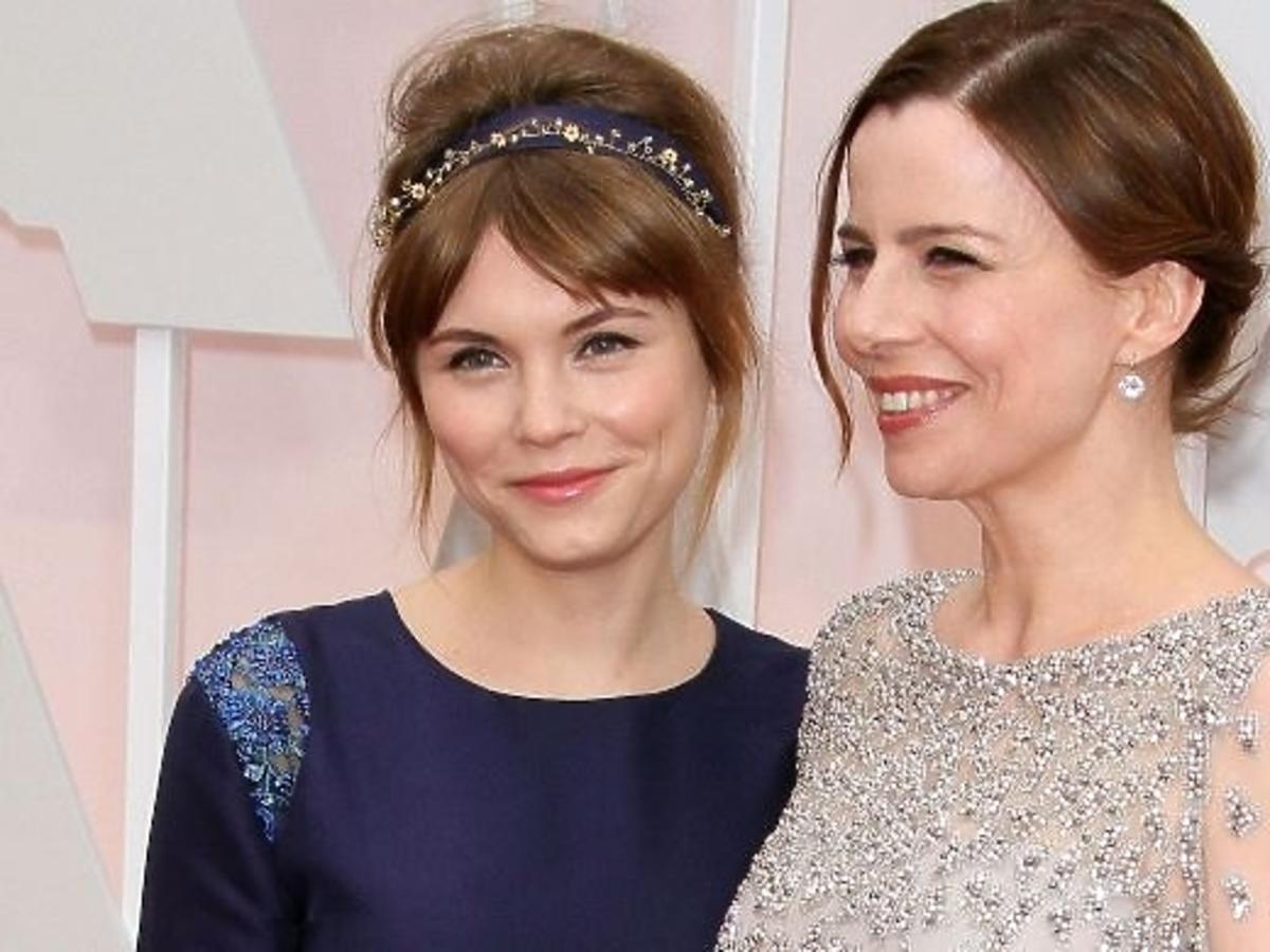 Agata Kulesza i Agata Trzebuchowska palą papierosy na Oscarach 2015