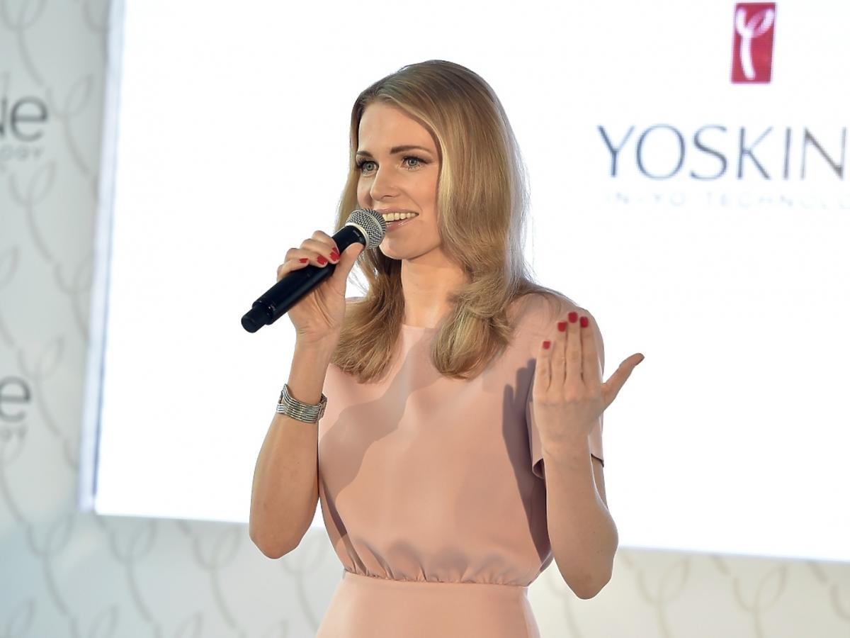 Agnieszka Cegielska na konferencji prasowej Yoskine