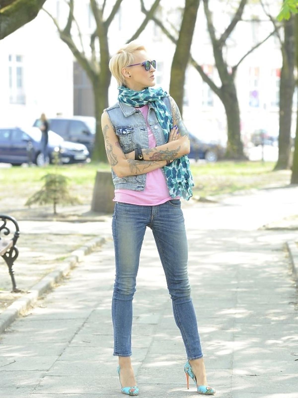 Agnieszka Chylińska na spacerze