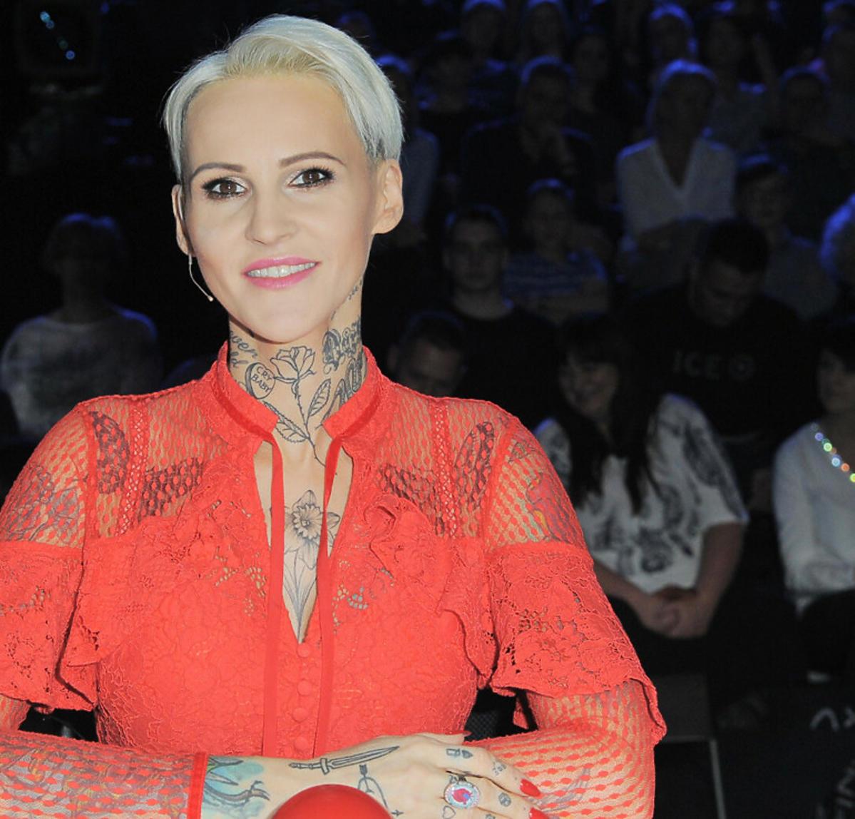 Agnieszka Chylińska w czerwonej sukience