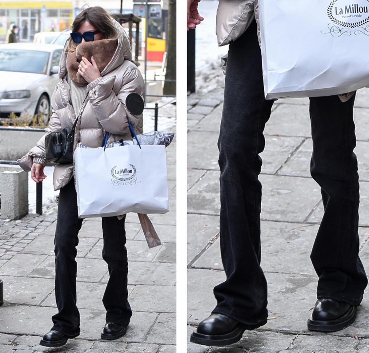Agnieszka Dygant w czarnych butach na platformie