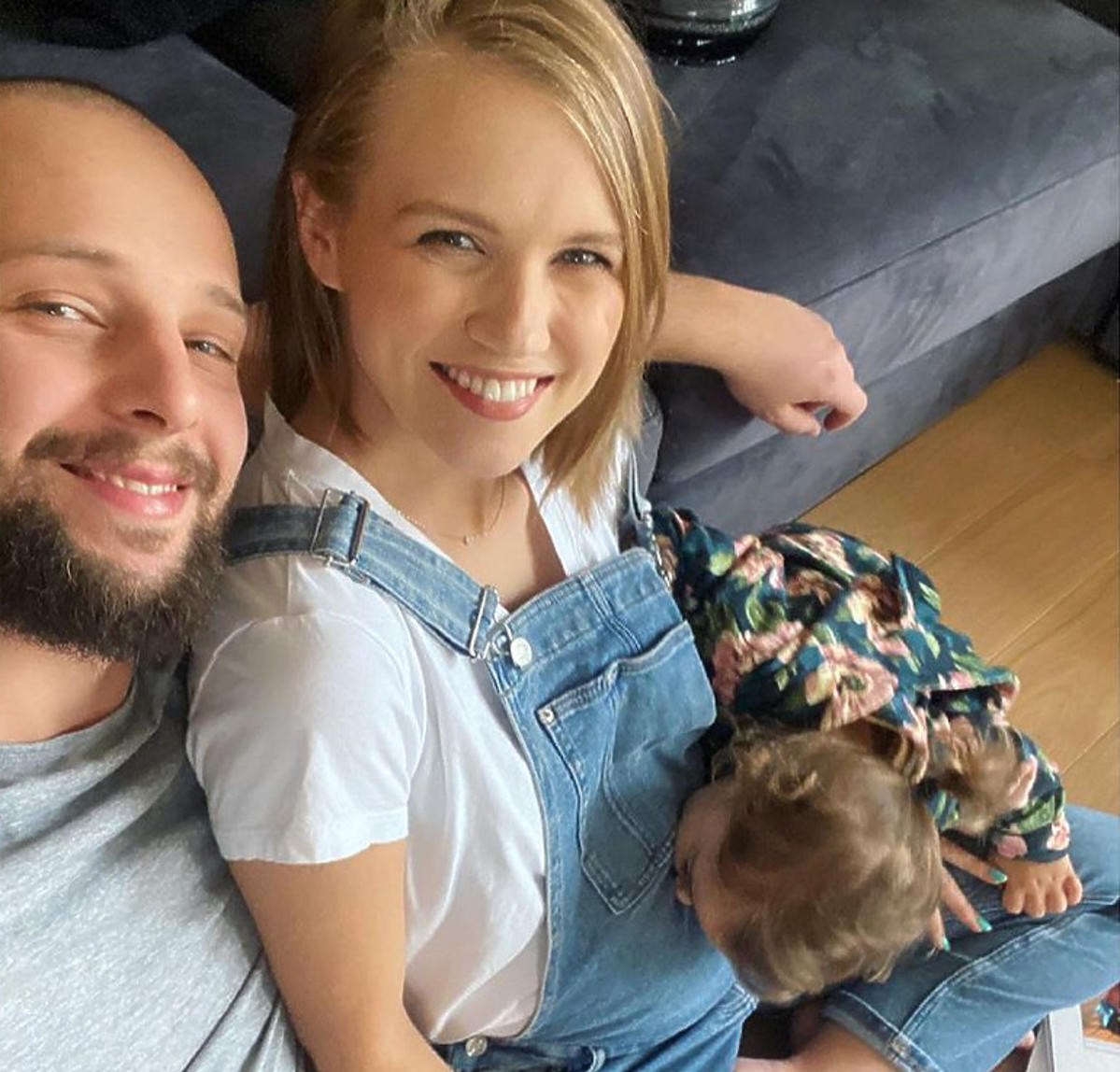 Agnieszka Kaczorowska z mężem i córką