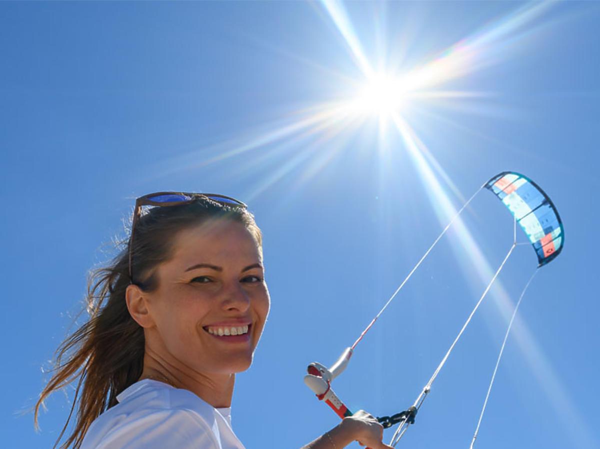 Agnieszka Kawiorska na kitesurfingu