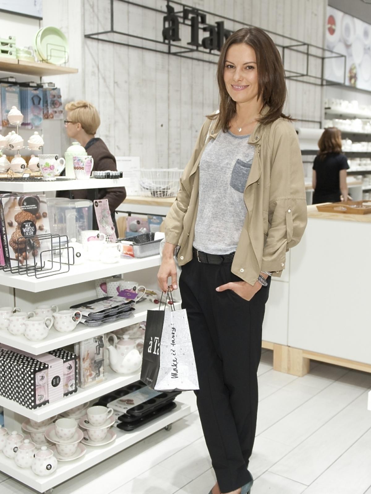 Agnieszka Kawiorska na otwarciu sklepu