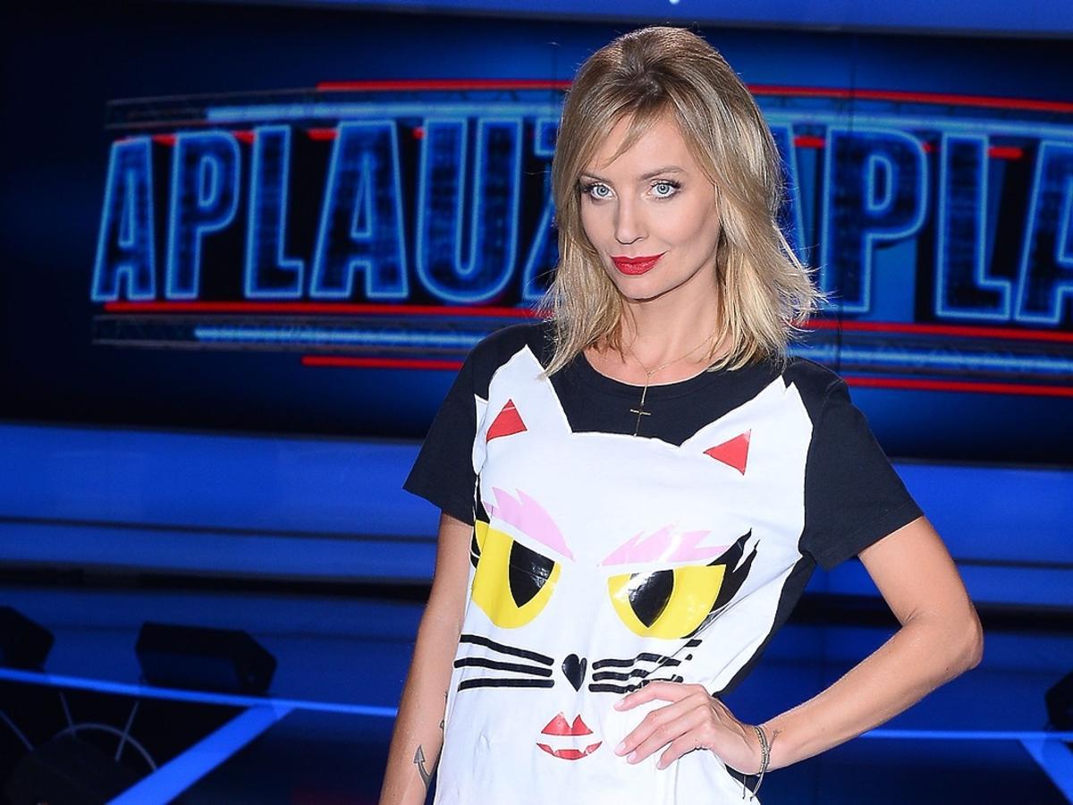 Agnieszka Szulim w koszulce z kotem